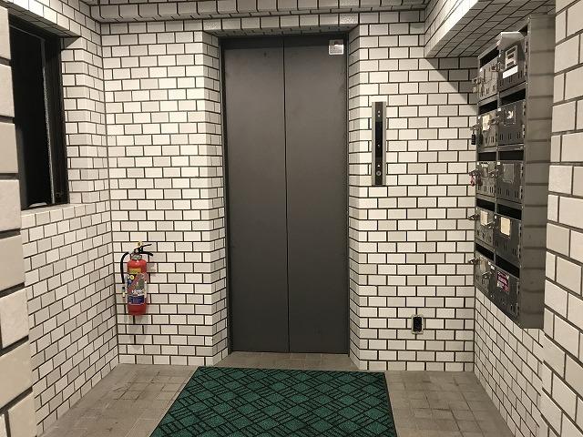 錦糸町 レンタルスタジオ ロゼッタ の ビル 入り口 について